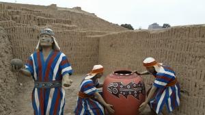 Trabalho e cerâmica do povo limeñ/wari datado por volta do ano 1000 DC